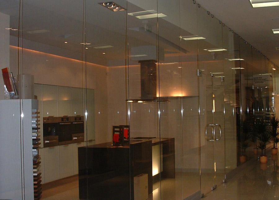 Ścianka ze szkła
